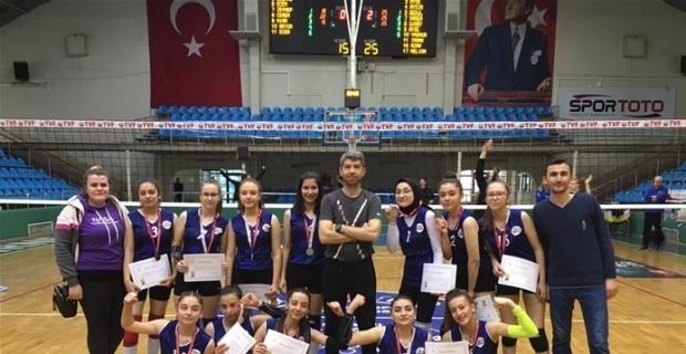 Mustafa Şeker Anadolu Lisesi yarı finalde