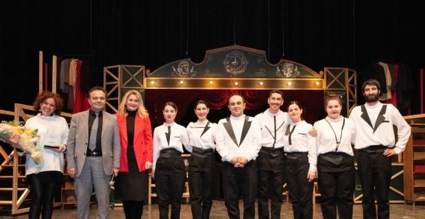 Odunpazarı Tiyatrosu Zamazingo ile Bilecik'te
