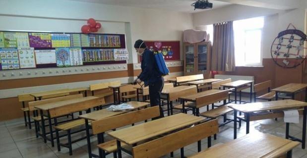 Okullar koronaya karşı dezenfekte yapıldı