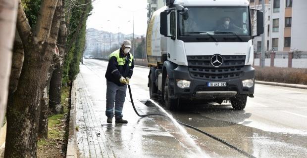 Mahalle temizliği devam ediyor