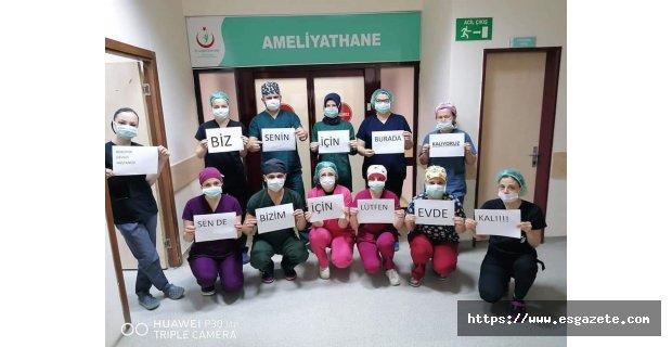 Sağlık çalışanlarından anlamlı mesaj