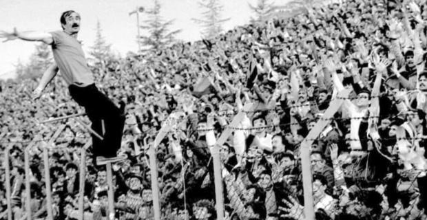 Eskişehir'in milli amigosu Orhan da Kırmızı Şimşekleri ayağa kaldırıyor