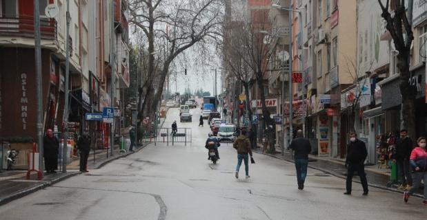 Bilecik'in en işlek caddesi araç trafiğine kapatıldı