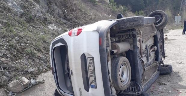 Kontrolden çıkan araç takla attı; 2 yaralı