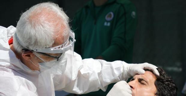 Alanyaspor'da futbolcular ve teknik ekibin korona virüs testi negatif çıktı