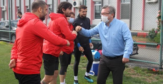 Eskişehirspor'da mesafeli bayramlaşma!