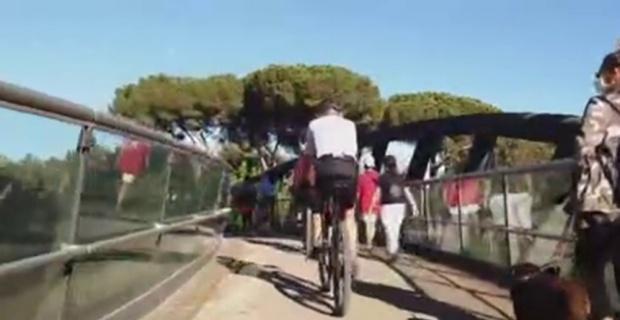 İtalya'da halk park ve bahçelere akın ediyor
