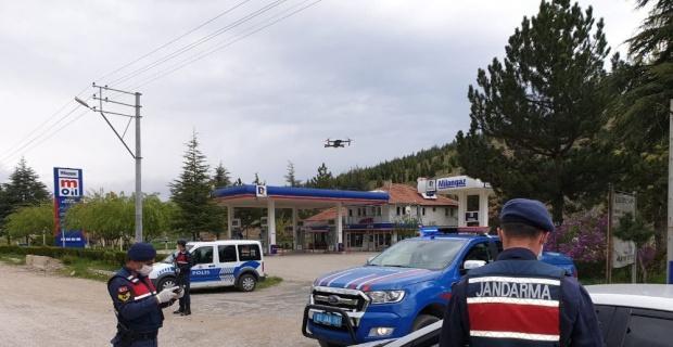 """Jandarma trafik ekipleri ve trafik polislerinden """"Trafik Haftası"""" uygulaması"""