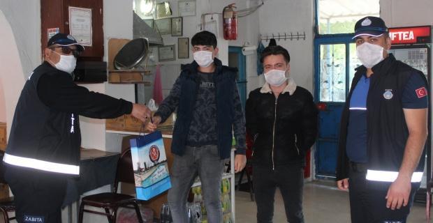 Kıraathane ve kahvehanelere maske ve dezenfektan desteği