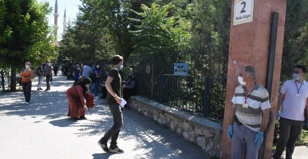 YKS'nin ikinci oturumu olan AYT'de öğrenciler ter döktü