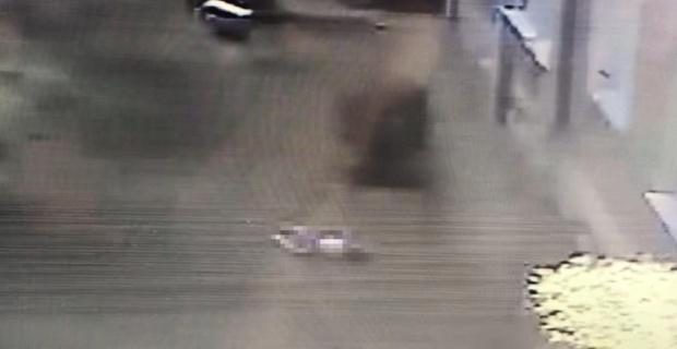 4 yaşındaki çocuğun 12'inci kattan düşme anı kamerada