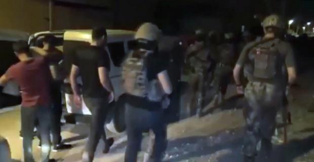 Yaşlıları hedef alan çete üyeleri yataklarından toplandı
