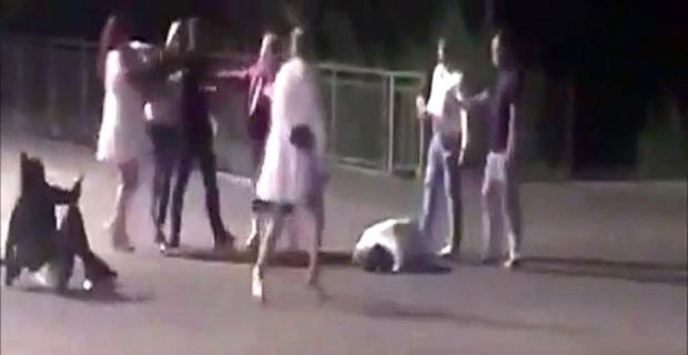 Boksörlerin kavgasını ayırmaya çalışan kişi aldığı darbeyle öldü