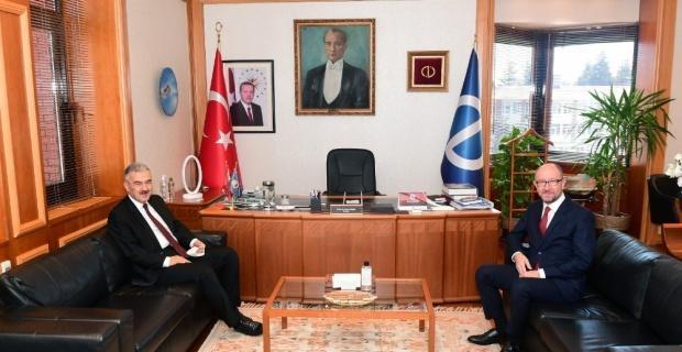 Eskişehir Valisi Ayyıldız Rektör Erdal'ı ziyaret etti