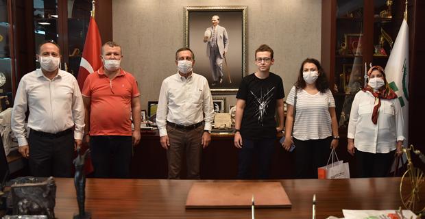 Ataç'tan Türkiye birincisi öğrenciye tebrik