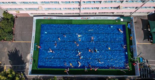 Eskişehir'e portatif yüzme havuzu