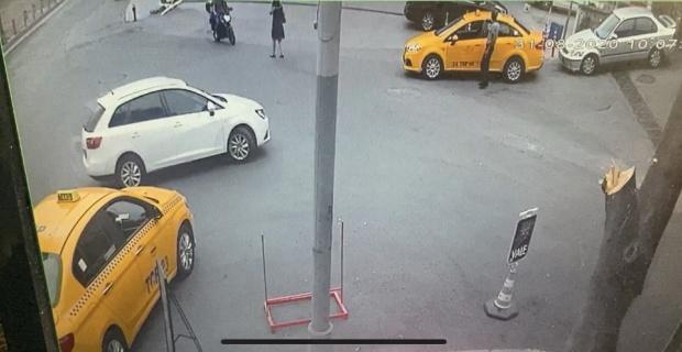 İstanbul'un göbeğinde genç kadına kapkaç dehşeti kamerada
