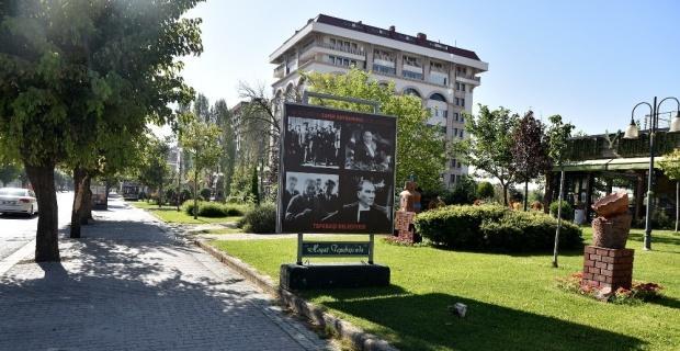 Kent Atatürk fotoğrafları ile donatıldı