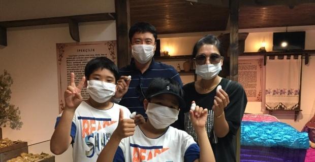Koreli aileye Yaşayan Şehir Müzesi İngilizce anlatıldı
