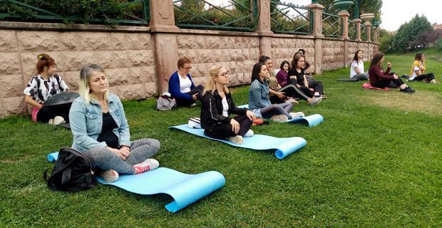 Doğayla iç içe meditasyon