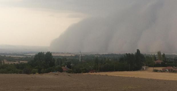 Günyüzü'nde fırtına ve şiddetli yağış