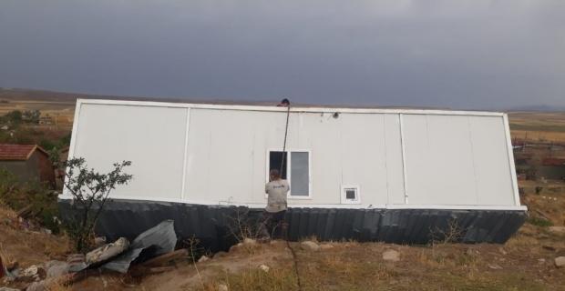 Kum fırtınası ve yağış Günyüzü'nde hasara yol açtı