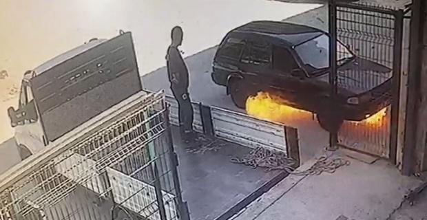 Otomobil bomba gibi patlayıp alev aldı