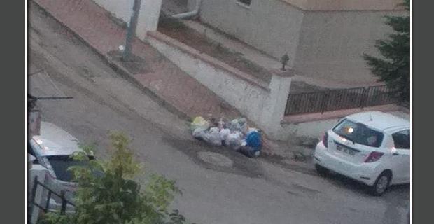 Yıldıztepeliler çöp konteynırı istiyor