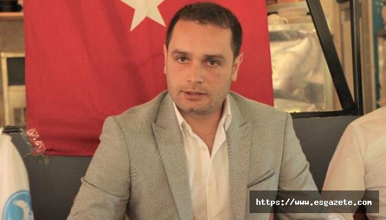 Atatürk Türkiye Cumhuriyeti'nin ana direğidir
