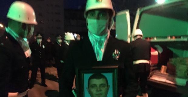 Bursa'da kalp krizi sonucu ölen polis memuru toprağa verildi