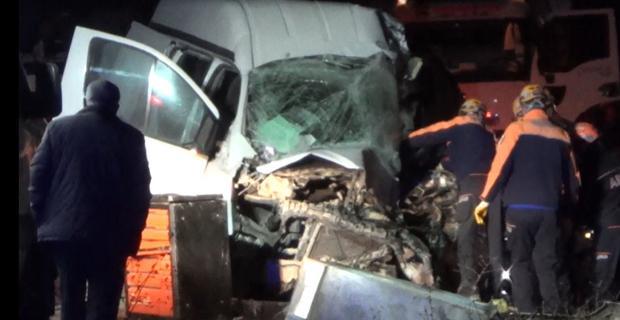 Korkunç kazada can pazarı: 1 ölü 5 yaralı