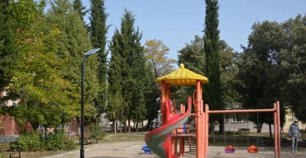 Parklar güneş enerjisi ile aydınlatılacak