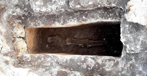 Perre Antik Kenti'nde 1500 yıllık bozulmamış iskelet bulundu