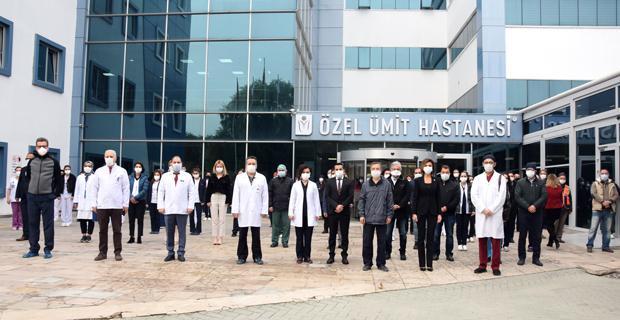 Sağlık çalışanları Atatürk'ü minnetle andı