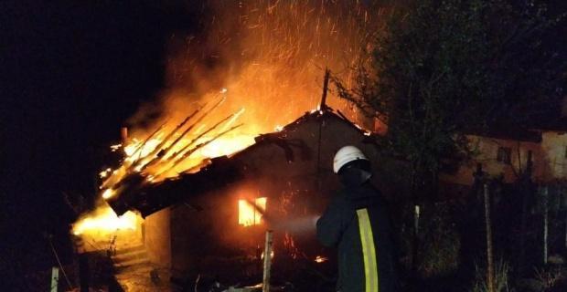Simav'daki yangında tek katlı ev kül oldu