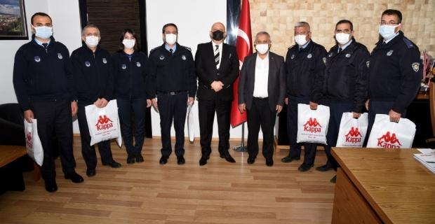 """Başkan Zeybek: """"Zabıta personelimiz pandemi sürecinde de fedakarca çalışıyor"""""""