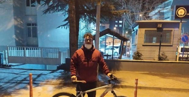 Çaldığı bisikleti internetten satmaya kalkan şahıs yakalandı