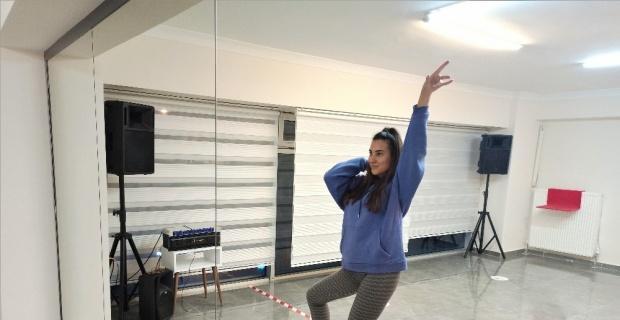 Dans eğitimini aksatan kısıtlamalara online çözüm