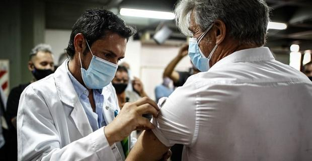 Dünyada aşı yaptıranların sayısı artıyor