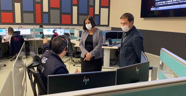 Süllü 112 Acil Çağrı Merkezi'ni ziyaret etti