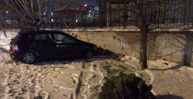 Kaza yaptı, aracını kilitleyip gitti