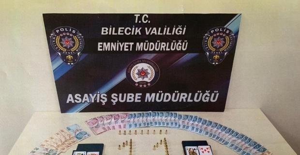 Bilecik'te bir evde kumar oynayan 9 kişiye 12 bin lira ceza