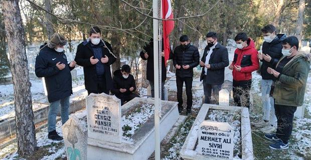 Ülkücü şehitler mezarı başında ziyaret edildi