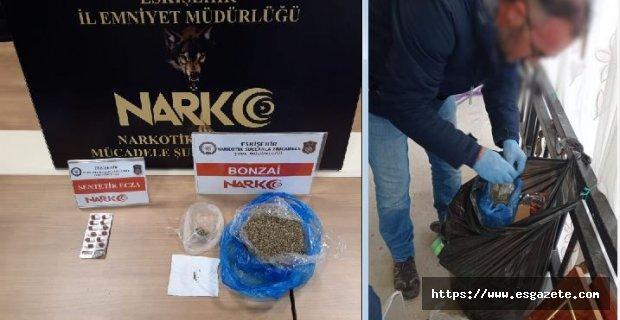 Uyuşturucuları çöp poşetine sakladı