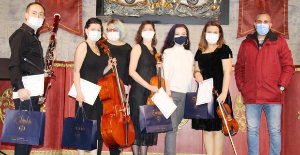 Masal Şatosu'nda online konserler