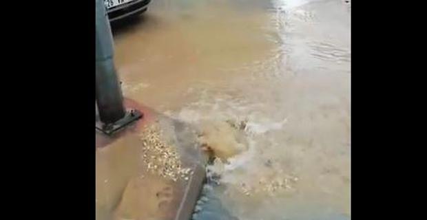 Su borusu patladı, vatandaş susuz kaldı!