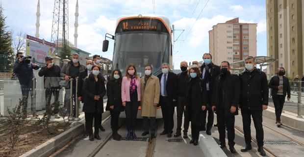 Yeni tramvay hattı hizmet vermeye başladı