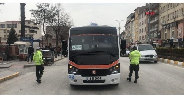 Trafik polislerinden korona denetimi
