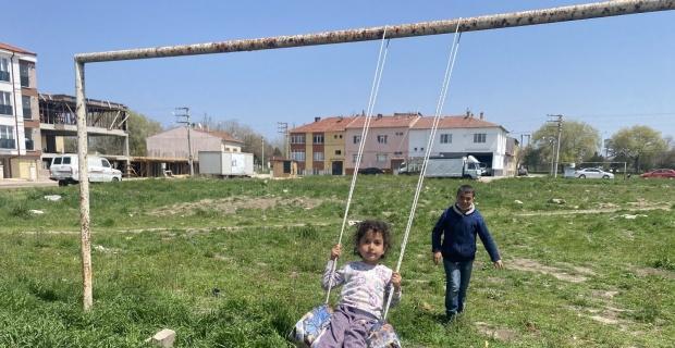 Çocuklardan mutluluğun resmi