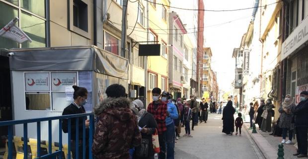 Eskişehir'de uzun göçmen kuyruğu